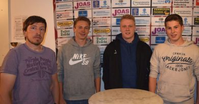 Junges Blut für die Eishackler – 3 Jugendspieler werden in die erste Mannschaft integriert