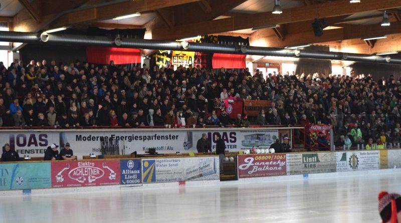 Unglaubliches Spektakel in der Peißenberger Eissporthalle