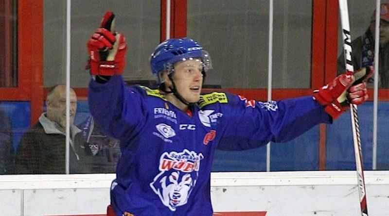 Lukas Novacek kommt zu den Eishacklern